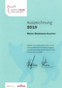 Auszeichnung von Katzenflüsterin Maren Bestmann-Auchter durch Royal Canin